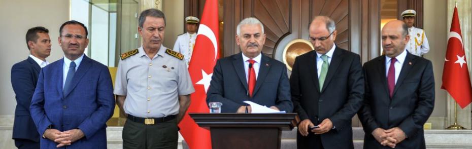 Türk halkı topyekün demokrasi dedi